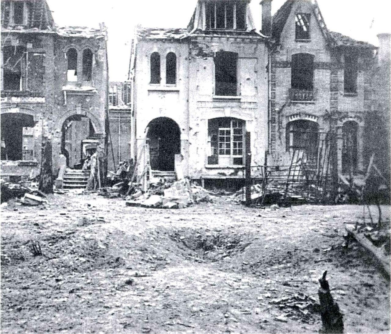 le bombardement alli de l 39 imp rialisme anglo am ricain en 1944 1945 sur la france mati re. Black Bedroom Furniture Sets. Home Design Ideas